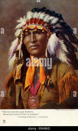 """Indianer gekleidet als Hiawatha. Hiawatha, eine legendäre Figur war ein Anhänger der """"Der große Stockbild"""