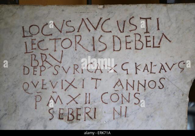 Römischer Grabstein. Frühchristliche. Epitaph. Lateinische Inschrift. Vatikanischen Museen. 3. und 4. Stockbild