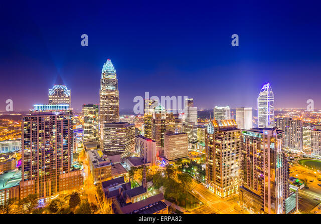 Charlotte, North Carolina, USA uptown Skyline bei Nacht. Stockbild
