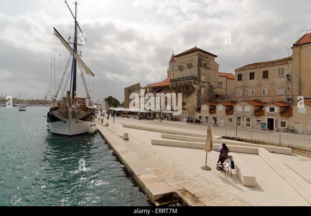 TROGIR, Kroatien - 19. Mai 2013: Trogir Kai. Die zentralen historischen Teil der Stadt Trogir ist in der UNESCO Stockbild
