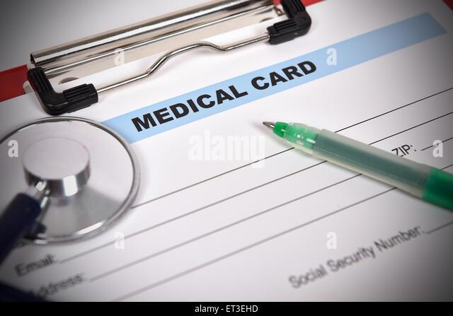 Arzt Stethoskop auf dem medizinischen Formular - Stock-Bilder