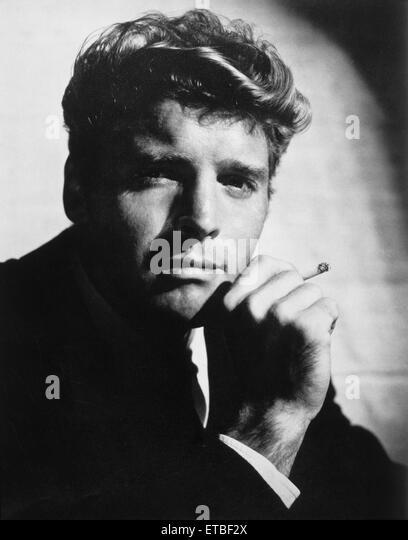 Schauspieler Burt Lancaster, Portrait mit Zigarette, 1951 Stockbild