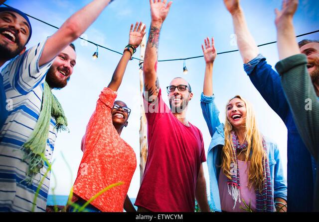 Beach Party Dinner Freundschaft Glück Sommer Konzept Stockbild