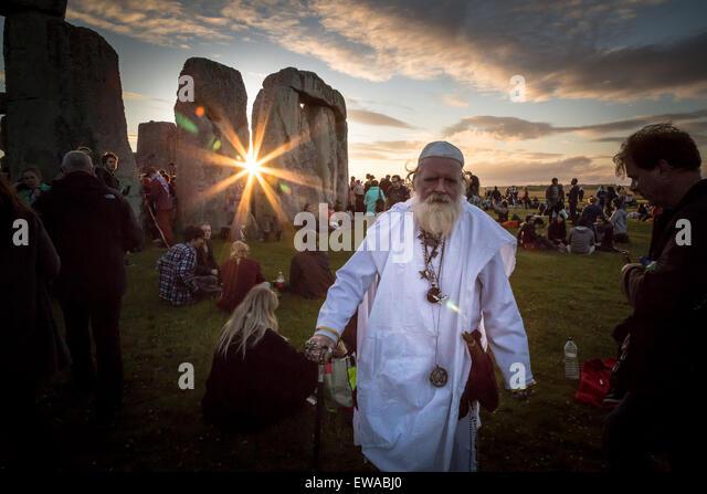 Avebury, UK. 21. Juni 2015. Sommer-Sonnenwende bei Stonehenge Credit: Guy Corbishley/Alamy Live-Nachrichten Stockbild