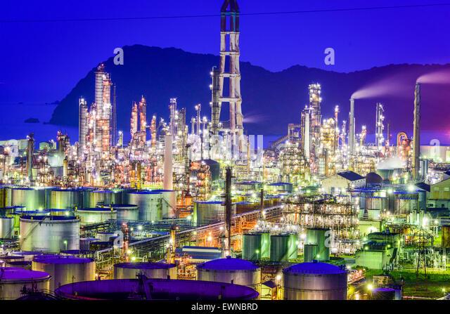 Öl-Raffinerien von Wakayama, Japan. Stockbild