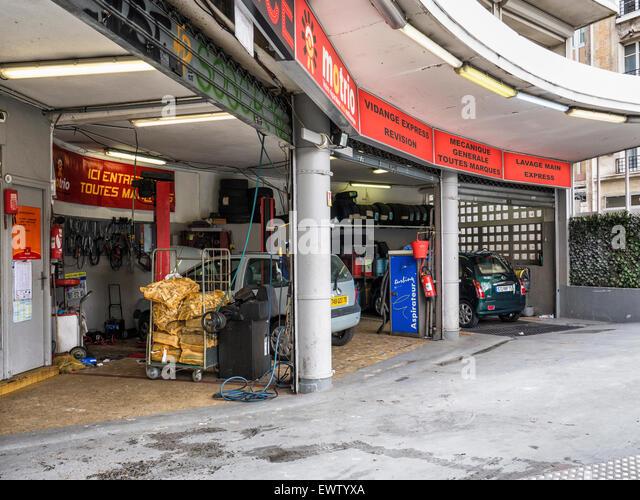 France garage car stockfotos france garage car bilder for Garage boulevard de l automobile sartrouville
