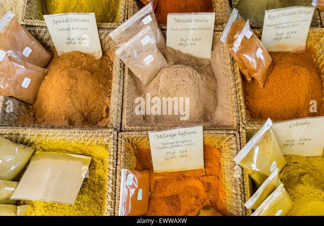Gewürze, Curry, Cours de Selaya, Markt, Nizza, Cote d ' Azur, Alpen-Maritime, Frankreich Stockbild
