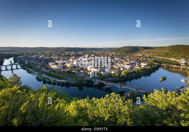 Stadt Cahors vom Mount Saint-Cyr mit Pont Valentre Überquerung des Flusses Lot. MIDI-Pyrenäen, Frankreich Stockbild