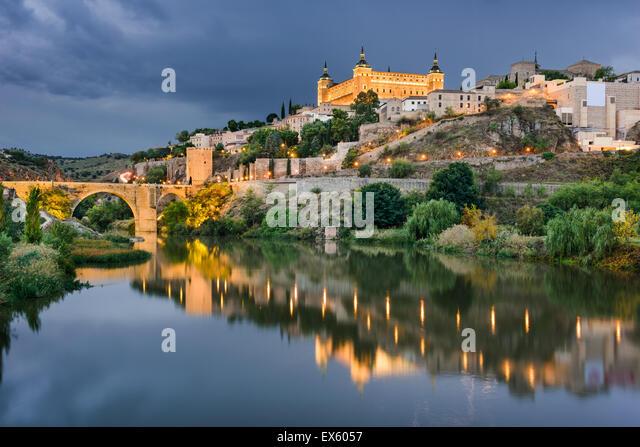 Toledo, Spanien am Fluss Tejo. Stockbild