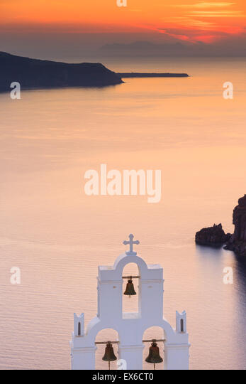 Aghioi Theodoroi Kirche in Firostefani auf Santorini eine der Kykladen im Ägäischen Meer, Griechenland. Stockbild
