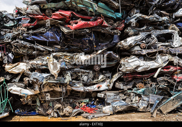Recyclinghof in Hamburg, Autowracks Stockbild