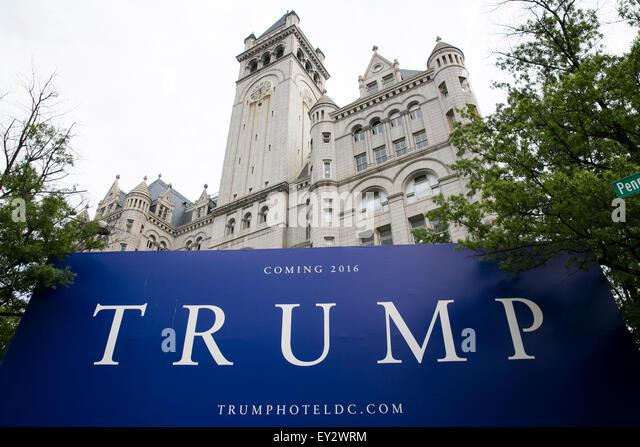 Donald Trump Logo Zeichen rund um den alten Postamt Pavillon, derzeit in einem Trump International Hotel in umgewandelt Stockbild