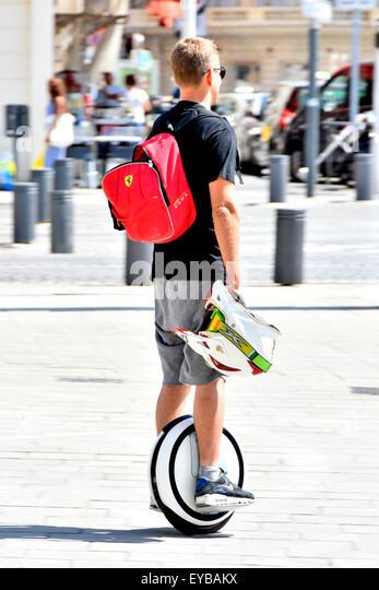 Marseille Frankreich selbst balancing Solowheel Art der motorisierten Einrad im Einsatz von jungen Menschen in Marseille Stockbild