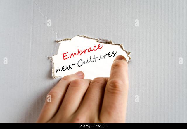 Neue Kulturen Textkonzept isoliert auf weißem Hintergrund zu umarmen Stockbild