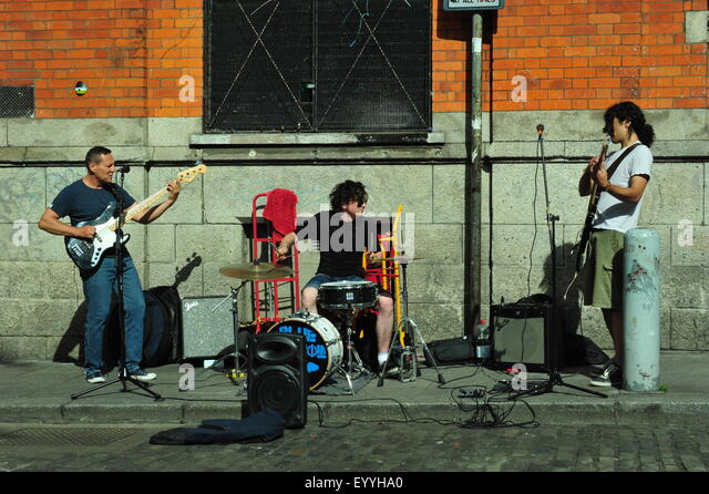 Straßenmusiker, Temple Bar, Dublin, Irland. Stockbild