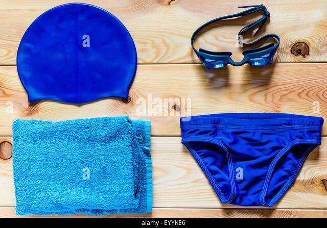 Zubehör für Wettkampfschwimmen im Pool für jungen Stockbild