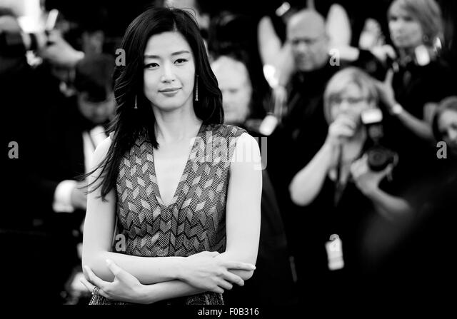 """CANNES, Frankreich - Mai 17: Schauspielerin Gianna besucht Jun die Premiere von """"Rocco und seine Brüder"""" Stockbild"""