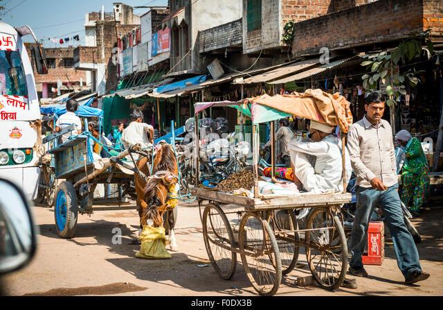 Alltag in einer kleinen Stadt in Indien Stockbild