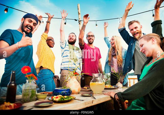 Party Dinner Freundschaft Glück Sommer Konzept Stockbild
