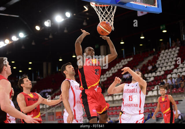 Paris, Frankreich. 20. August 2015. Internationale Basketball-Freundschaftsspiel. Belgien vs. Georgien. Kevin Tumba Stockbild