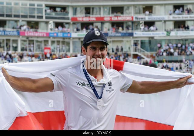 London, UK. 23. August 2015. Investec Asche 5. Test, Tag 4. England gegen Australien. Englands Alastair Cook posiert Stockbild