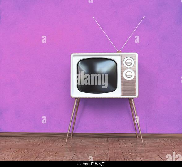 Vintage TV über rosa Hintergrund. 3D-Konzept Stockbild