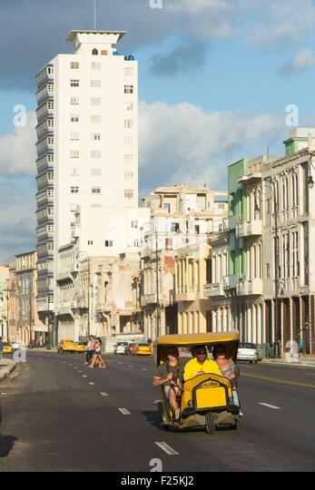 Kuba, Ciudad De La Habana Provinz, La Havanna, Coco Steuer auf dem Malecon Stockbild