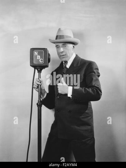 "Legendäre Film Regisseur D. W. Griffith Rundfunk, ""D. W. Griffith Hollywood."" Ca. 1930. Das NBC-Radio Stockbild"