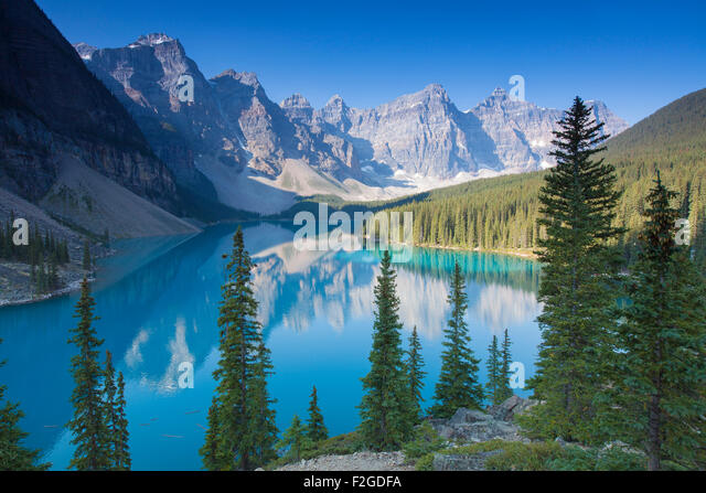 Glazial-Moraine Lake im Valley of the Ten Peaks, Banff Nationalpark, Alberta, Kanada Stockbild