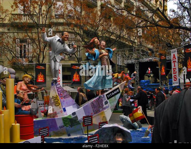 Las Fallas Festival, Valencia, Spanien, Figuren karikiert, Silvio Berlusconi, Angela Merkel, Nicolas Sarkozy und Stockbild