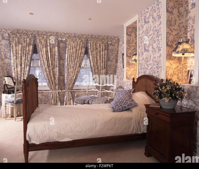 matching stockfotos matching bilder alamy. Black Bedroom Furniture Sets. Home Design Ideas