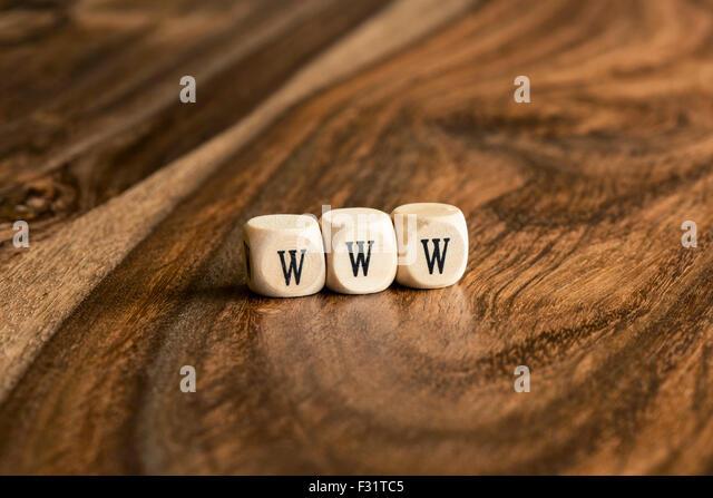WWW-Word-Hintergrund auf Holzblöcke Stockbild