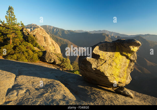 Hanging Rock, Sequoia Nationalpark, Kalifornien, USA Stockbild