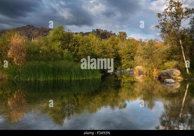 der Kaweah River, Three Rivers, Sierra Nevada, Kalifornien, USA Stockbild