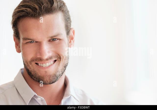 Porträt des mittleren Erwachsenenalter Mann Stockbild