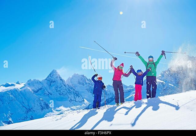 Familie auf Skiurlaub, Chamonix, Frankreich Stockbild