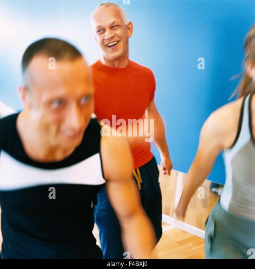 30-34 Jahre 70 bis 74 Jahren 75-79 Jahren Aktivität Erwachsene nur Aerobic Athlet Bodybuilding Farbe Bild älterer Stockbild