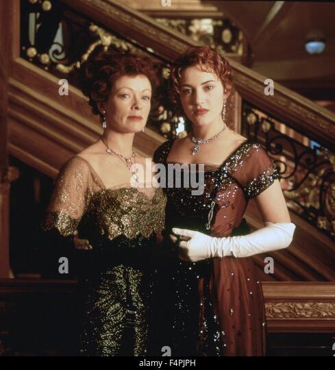Frances Fisher und Kate Winslet / Titanic / 1997 unter der Regie von James Cameron [zwanzigsten Jahrhundert Fox Stockbild