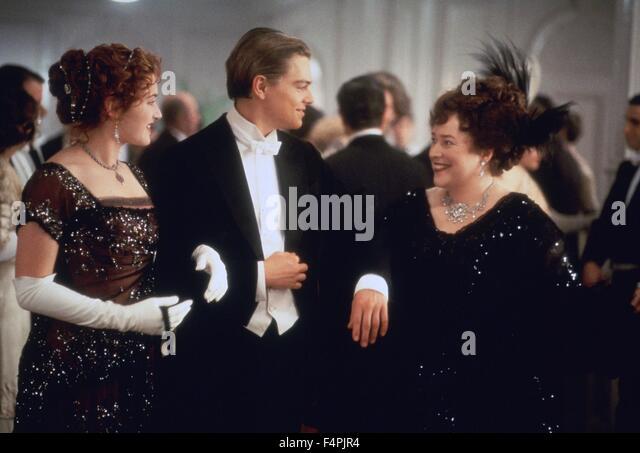 Kate Winslet, Leonardo DiCaprio und Kathy Bates / Titanic / 1997 unter der Regie von James Cameron [zwanzigsten Stockbild