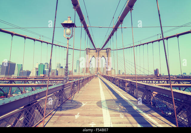 Vintage stilisierte Foto von der Brooklyn Bridge, New York, USA. Stockbild