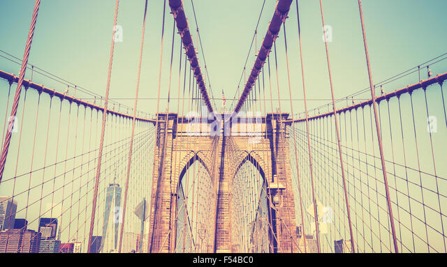 Vintage getönten Foto von der Brooklyn Bridge, New York, USA. Stockbild