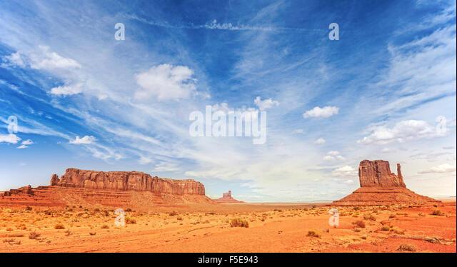Panorama-Foto von Monument Valley Navajo Tribal Park, Utah, USA. Stockbild
