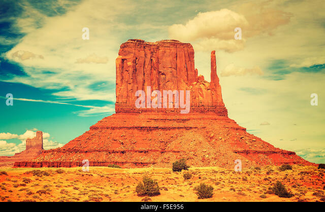 Alte Film-Stil-Foto von Monument Valley Navajo Tribal Park, Utah, USA. Stockbild
