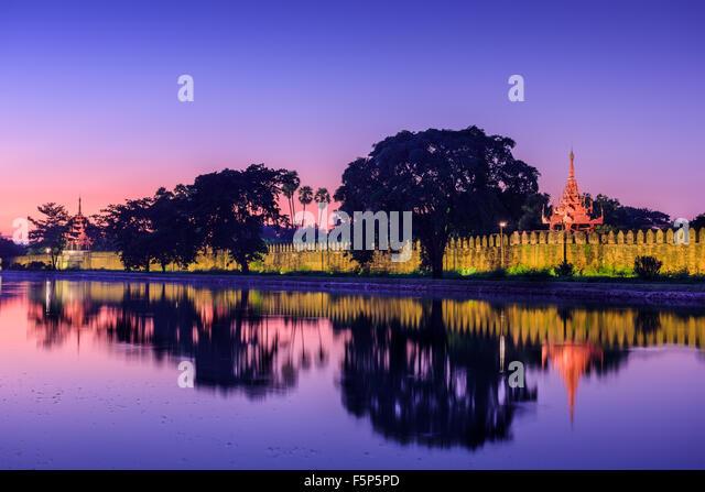 Mandalay, Myanmar am königlichen Palast Wassergraben. Stockbild