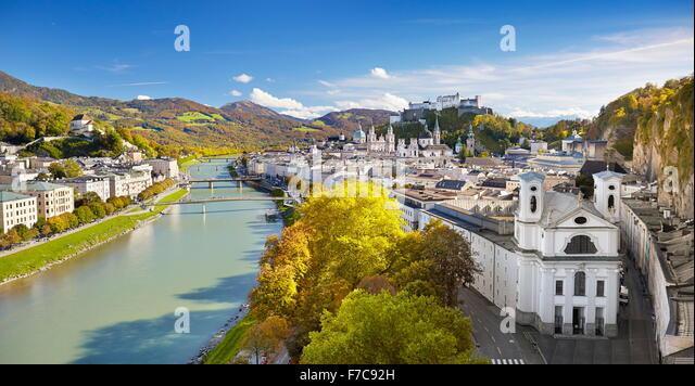 Luftbild der Altstadt Salzburg, Österreich Stockbild