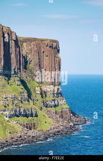Basalt Felsen, Kilt Rock, Staffin, Schottland, Vereinigtes Königreich Stockbild