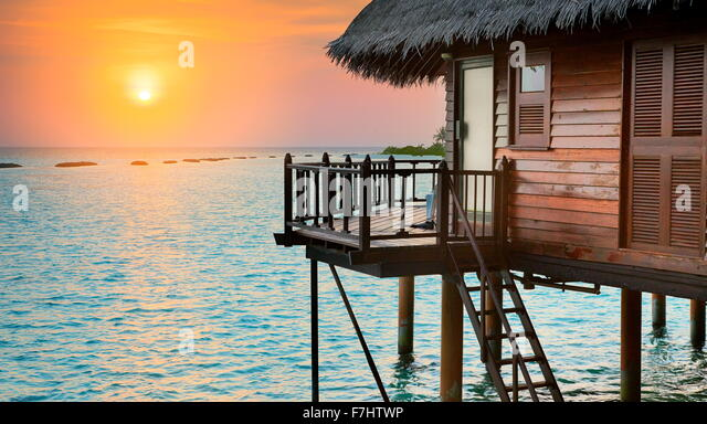 Tropischer Sonnenuntergang Landschaft am Indischen Ozean Malediven Insel Stockbild