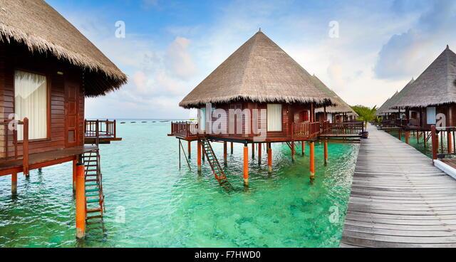 Bungalows im Malediven-Insel Stockbild