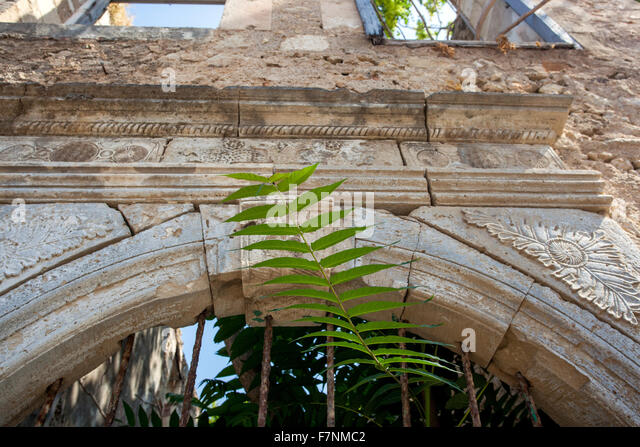 Alte Stein Portal, verlassenes Haus, Altstadt von Rethymno, Kreta, Griechenland Stockbild
