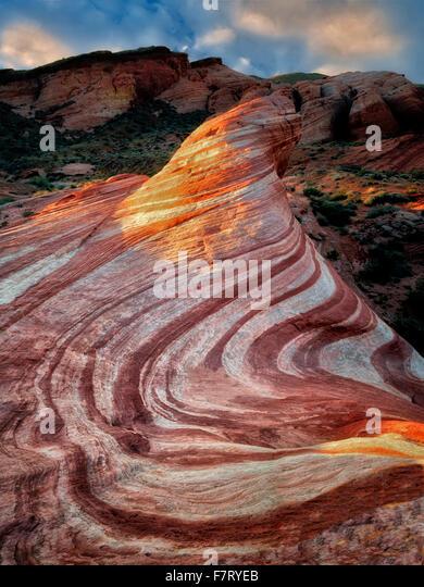 Die Feuer-Welle an der ersten Ampel. Tal des Feuers Staatspark, Nevada Stockbild